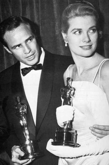 grace_kelly_and_marlon_brando_pic