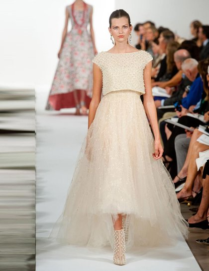 oscar-de-la-renta-full-skirt-dress-wedding-blog-imaxtree_GA