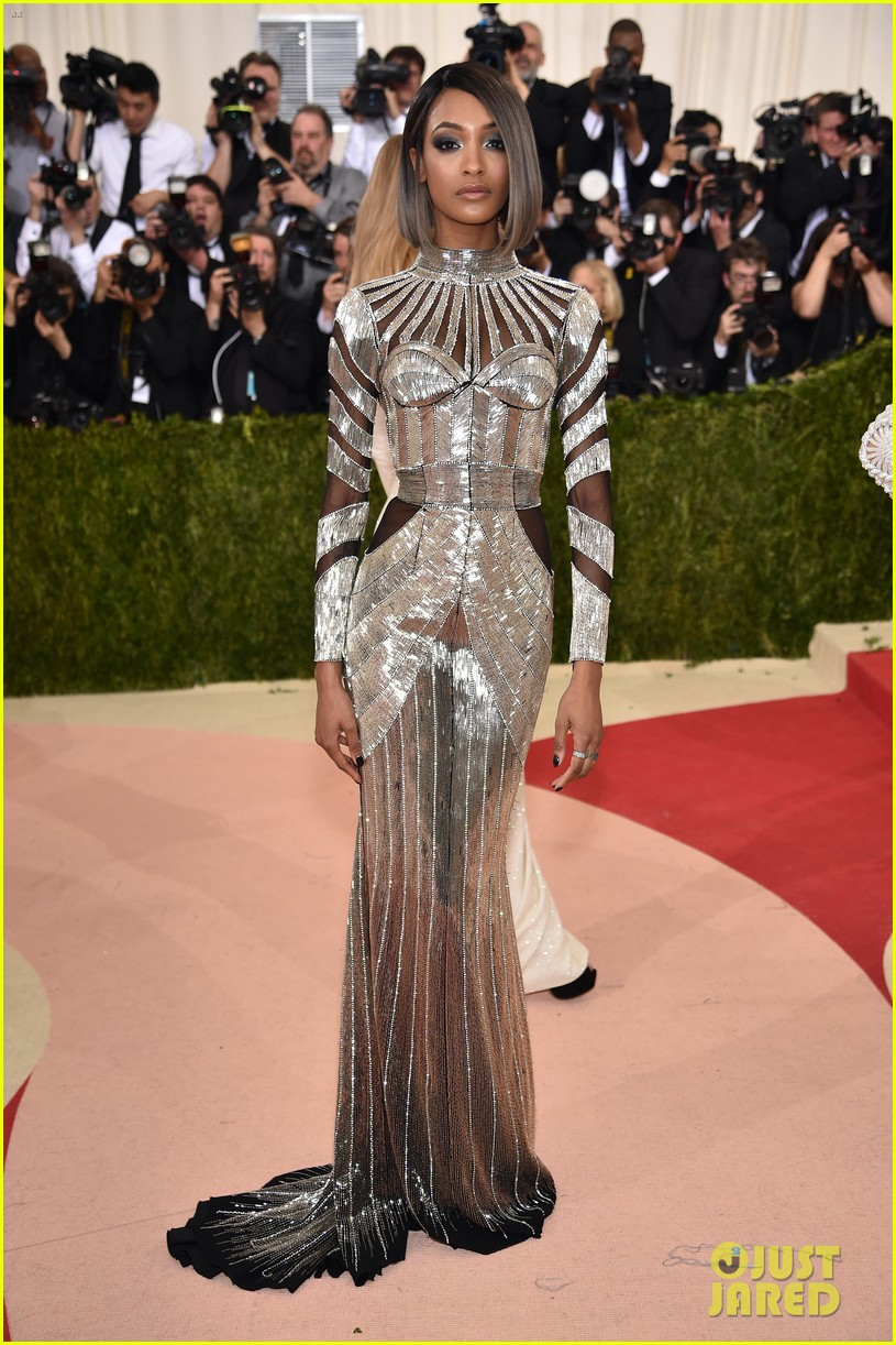 joan-smalls-jourdan-dunn-met-gala-2016-05
